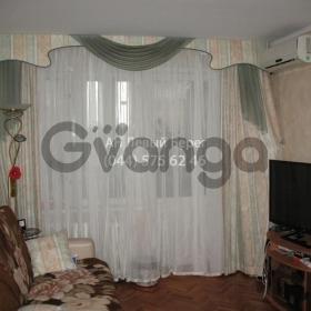 Продается квартира 2-ком 45 м² ул. Малышко Андрея, 29, метро Черниговская