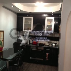 Сдается в аренду квартира 2-ком 72 м² Молодежная, 5