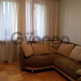 Сдается в аренду квартира 3-ком 60 м² Косыгина пр-кт, 31 к3, метро Ладожская