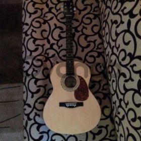 Продаю акустическую гитару Maxtone