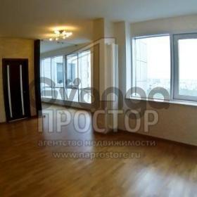 Продается квартира 3-ком 130 м² ,