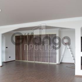 Продается квартира 3-ком 143 м² ,