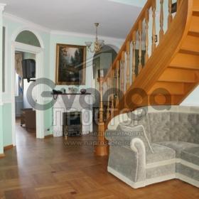 Продается квартира 1-ком 160 м² ,