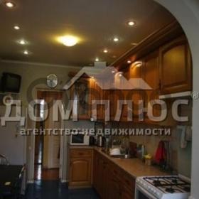 Продается квартира 2-ком 78.4 м² Гончара Олеся