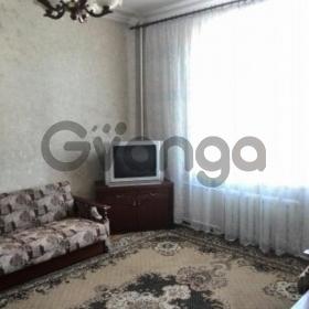 Сдается в аренду квартира 2-ком 50 м² ул. Строителей, 38/14, метро Дарница