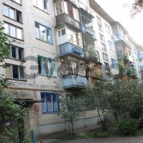 Продается квартира 2-ком 45 м² ул. Пражская, 21, метро Черниговская