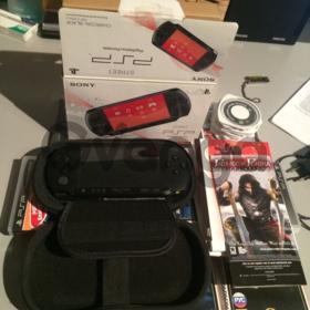 Полный комплект PSP, сумка и игры к ней