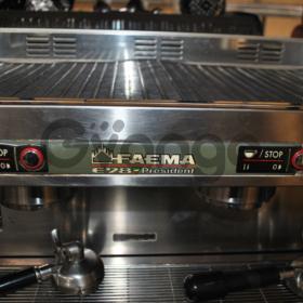 Продам кофемашину  бу  двухпостовую Faema  E 98  President