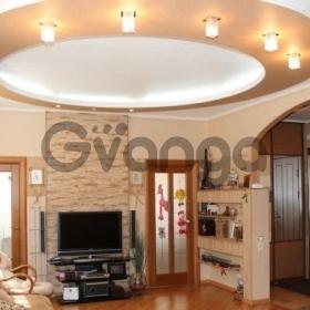 Продается квартира 3-ком 85 м² Демократическая ул.