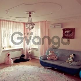 Продается квартира 2-ком 57 м² Макаренко