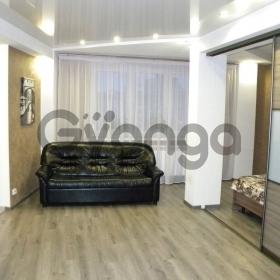 Продается квартира 2-ком 61 м² Вишневая
