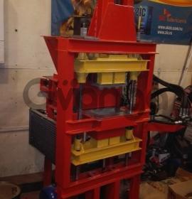 Гидравлический станок для производства кирпича «Антей»