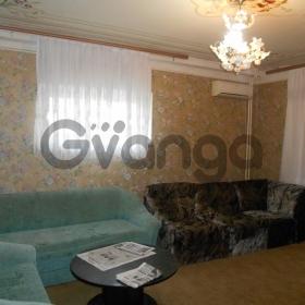 Продается квартира 2-ком 62 м² Макаренко