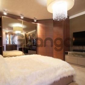 Продается квартира 2-ком 68 м² Парковая