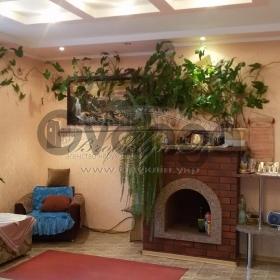 Продается дом 5-ком 450 м² Баранова Саєнко