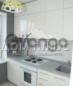 Продается квартира 2-ком 45 м² Приречная