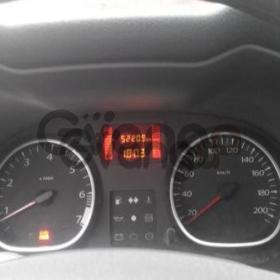 Renault Duster, I 2.0 MT (135 л.с.) 4WD 2012 г.