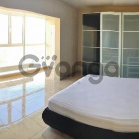 Продается квартира 2-ком 84 м² Виноградная