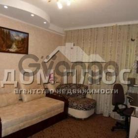 Продается квартира 2-ком 45 м² Саратовская