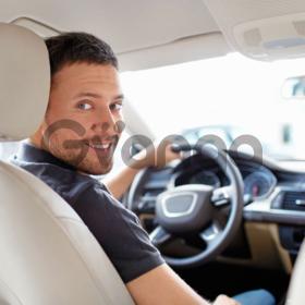 Приглашаем водителя с личным авто