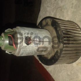 Электромотор печки Audi 100 c3 2.3 NF