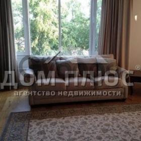 Продается квартира 4-ком 140 м² Ломоносова