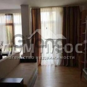 Продается квартира 2-ком 62 м² Регенераторная
