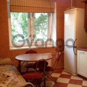 Сдается в аренду квартира 1-ком 40 м² Якорная ул, 3, метро Новочеркасская