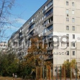 Продается квартира 2-ком 50 м² Архипенко Александра ул (Залки Мате)