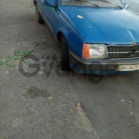 Opel Ascona 1.6 AT (75л.с.)