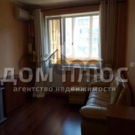 Продается квартира 2-ком 52 м² Приречная