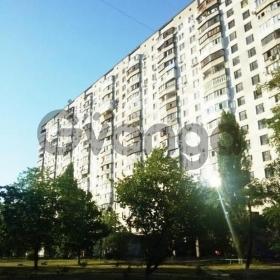 Продается квартира 2-ком 45 м² ул. Тычины Павла, 13