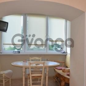 Продается квартира 2-ком 49 м² Санаторная