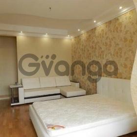 Продается квартира 2-ком 71 м² Клубничная