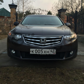 Honda Accord  2.4 AT (201 л.с.)
