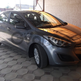Hyundai i30  1.6 MT (130 л.с.)