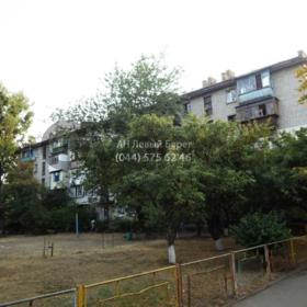 Сдается в аренду квартира 2-ком 46 м² ул. Ильича, 9, метро Дарница