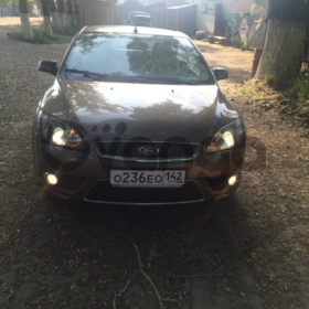 Ford Focus  2.0 AT (145 л.с.)