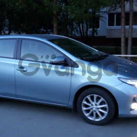 Toyota Auris  1.6 CVT (132 л.с.) 2013 г.