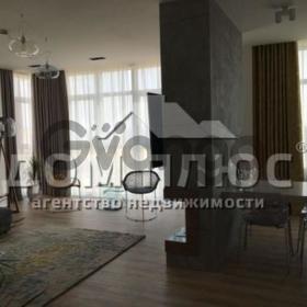 Продается квартира 4-ком 147 м² Драгомирова