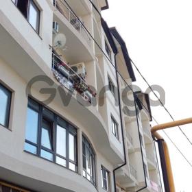 Продается квартира 2-ком 42 м² Целинная