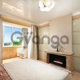 Продается квартира 2-ком 98 м² Виноградная