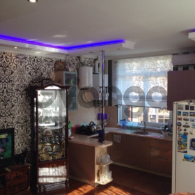 Продается квартира 5-ком 101 м² донская