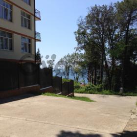 Продается квартира 2-ком 38 м² Возрождения ул.