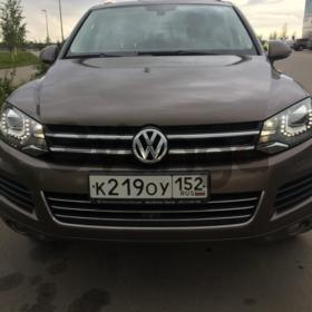 Volkswagen Touareg 3.0d AT (245 л.с.) 4WD 2012 г.