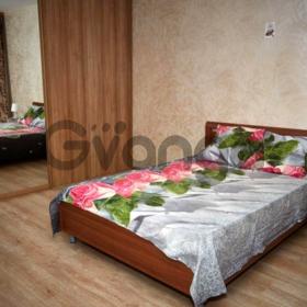 Сдается в аренду квартира 2-ком 59 м² Мичурина, 1, метро Ленинская