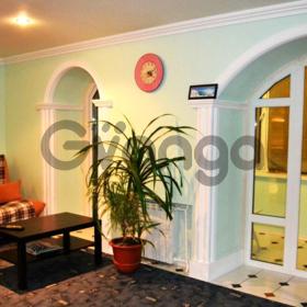 Сдается в аренду квартира 2-ком 64 м² Бурнаковская, 55, метро Бурнаковская