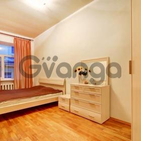 Сдается в аренду квартира 2-ком 52 м² Бетанкура, 4, метро Московская
