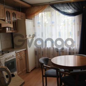 Сдается в аренду квартира 2-ком 53 м² Менделеева, 15а, метро Чкаловская