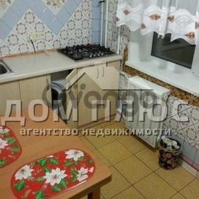 Продается квартира 3-ком 60 м² Матеюка Николая